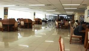 Ruang baca Perpustakaan Umum Daerah DKI Jakarta (Foto: Dede Rohali)