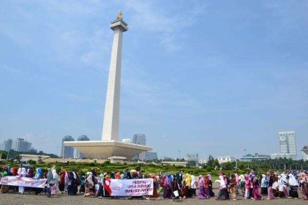 "Gabungan Aktivis Hijabers Community Gelar Aksi ""Gerakan Berhijab"" di Monas"