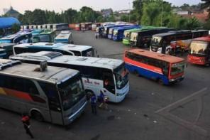 Terminal Bus Antar Kota (foto : Antara)