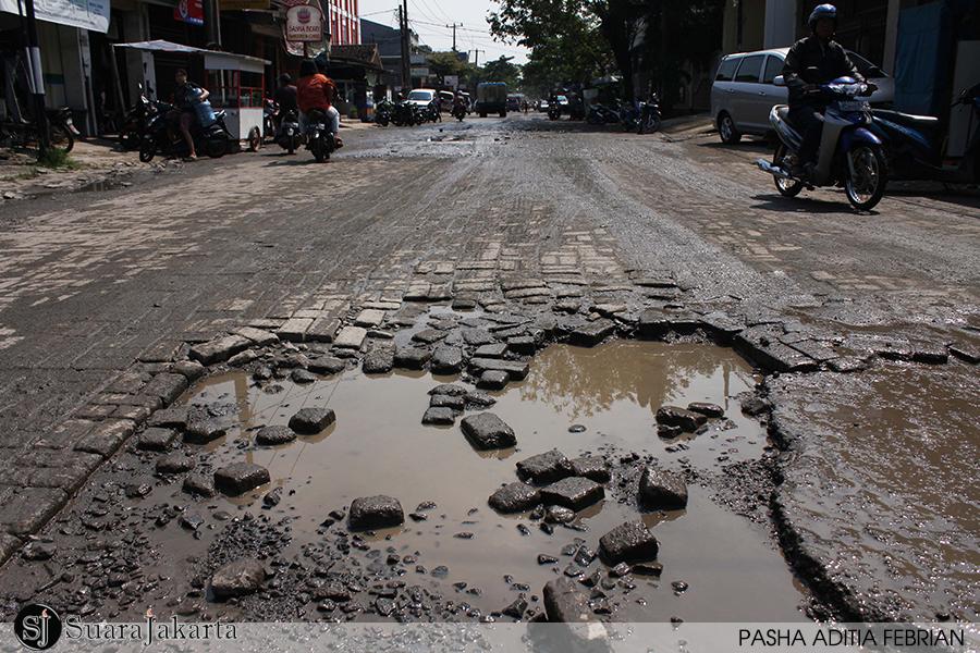 Ribuan Titik Jalan Di Ibukota Rusak