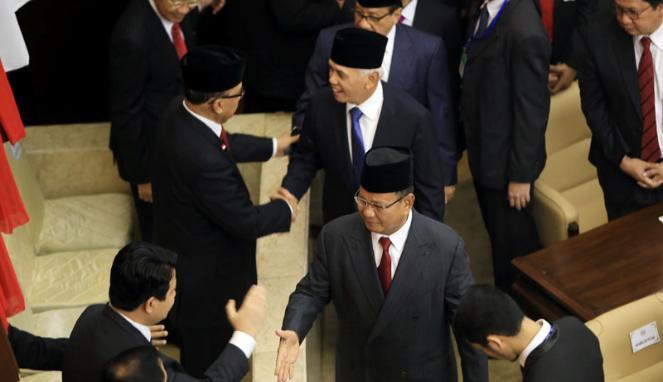 Prabowo Jabat Tangan Ahok dan Megawati di Pelantikan Jokowi