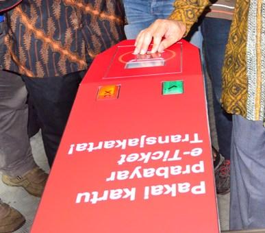E-Ticket dan AMARI, Modernisasi Ala Transjakarta