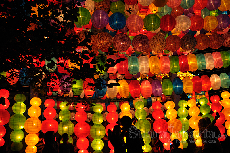 Melihat Indahnya Jakarta Lantern Festival 2014