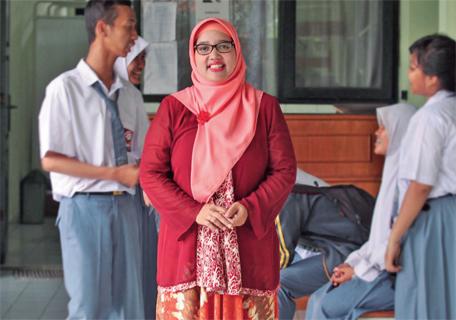 Retno Pertanyakan Ahok Yang Melarang Dirinya Aktif Di Organisasi Guru Suarajakarta Co Media