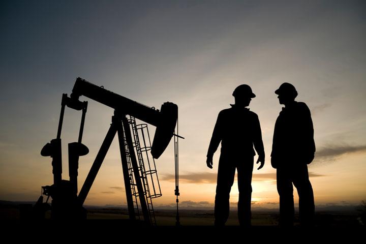 Enhanced Oil Recovery (EOR) sebagai solusi  peningkatan produksi Minyak di Indonesia