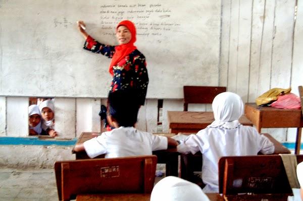 Keluh Kesah Guru DKI: Mulai dari Honor hingga TKD yang Belum Cair