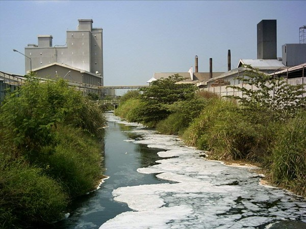 Masyarakat Ragukan Komitmen KLHK dalam Tindak Lanjut Pengaduan Pencemaran Sungai