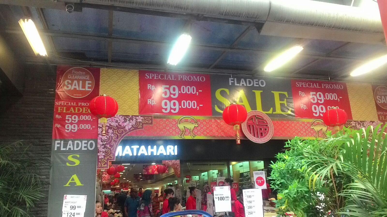 Imlek, Pusat Perbelanjaan Pasar Baru Sepi Tak Ada Acara