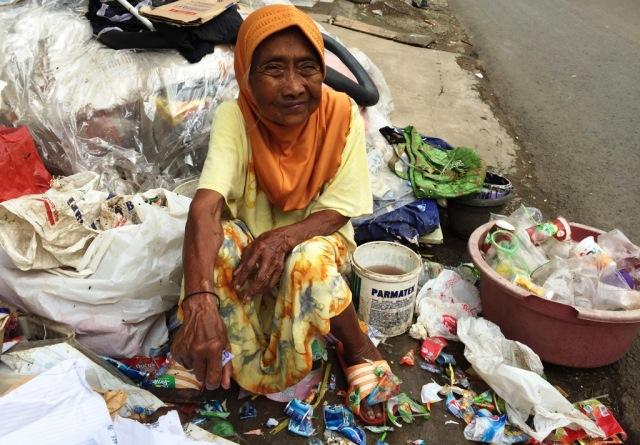 Demi Melihat Baitullah, Nenek Ini Tak Kenal Menyerah