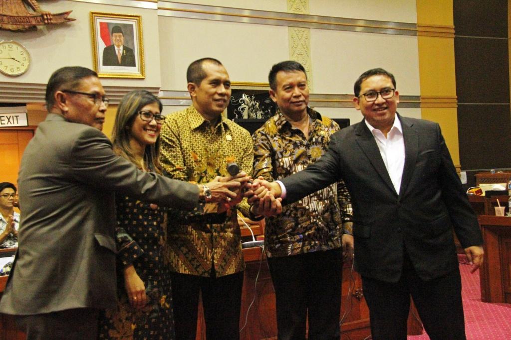 Dilantik, Ini Komitmen Abdul Kharis Almasyhari Pimpin Komisi I DPR RI
