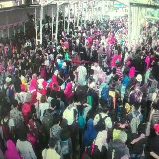 Penumpang Kereta di Stasiun Tanah Abang Meningkat Dua Kali Lipat