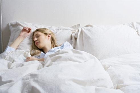 Mau Tidur Nyenyak? Lakukan 4 hal ini sebelum tidur!