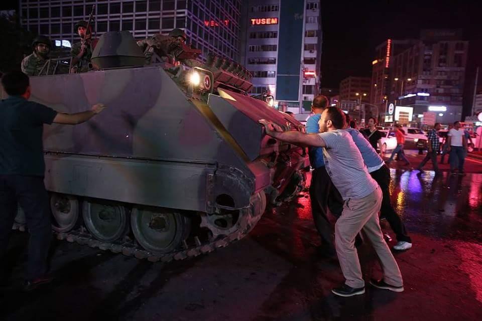 Kemenangan Islam dan Demokrasi Serta Gagalnya Kudeta di Turki