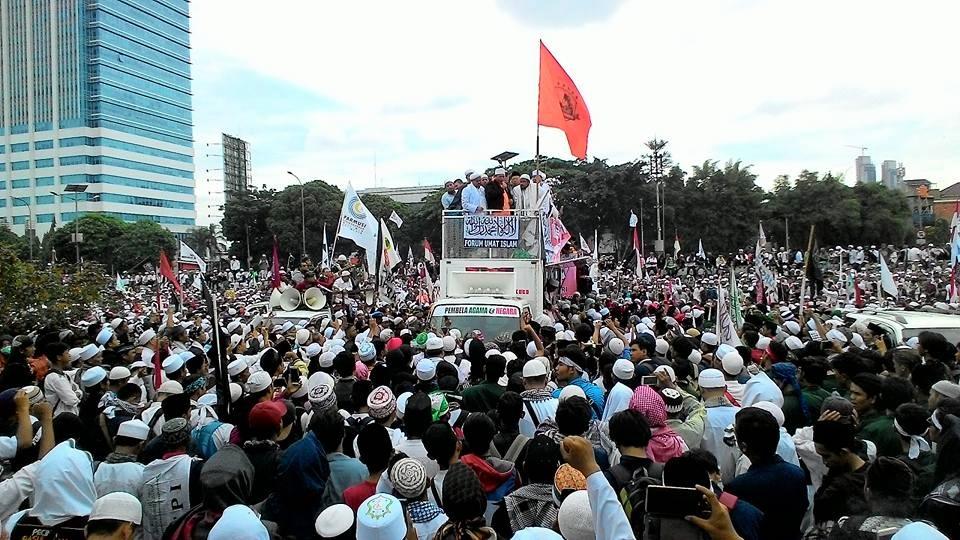 Ribuan Umat Islam Tuntut Hak Angket Ahok ke DPR