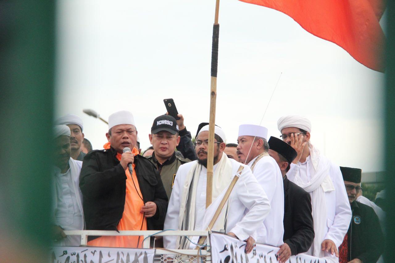 Didepan Komisi III, Massa Aksi 212 Tuntut Ahok Segera Diberhentikan Dari Gubernur DKI
