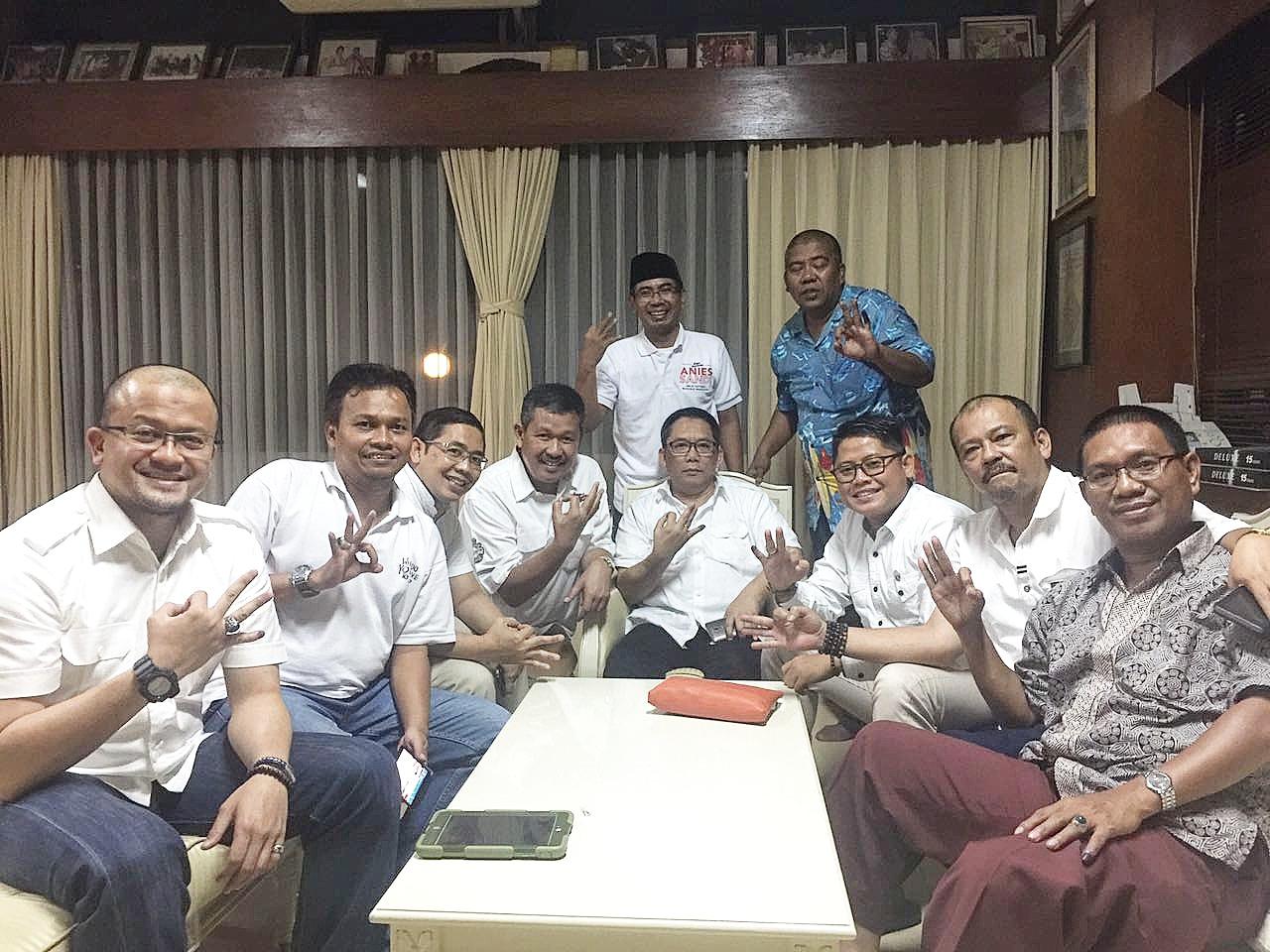 Relawan Ancam Serang Balik Kepada Oknum Yang Merusak Nama Baik Anies-Sandi