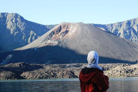 Tips Hiking Untuk Hijabers Dan Pemula