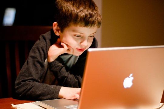 Cara Melindungi Anak Anda dari Konten Dewasa di Internet. Orangtua Wajib Baca!