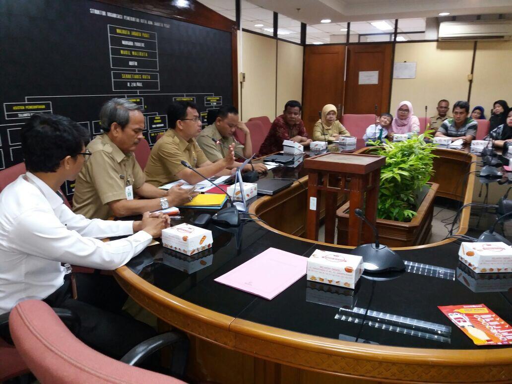 18 Pedagang Kantin Walikota Jakpus Ikuti  Sosialisasi Auto Debet Bank DKI