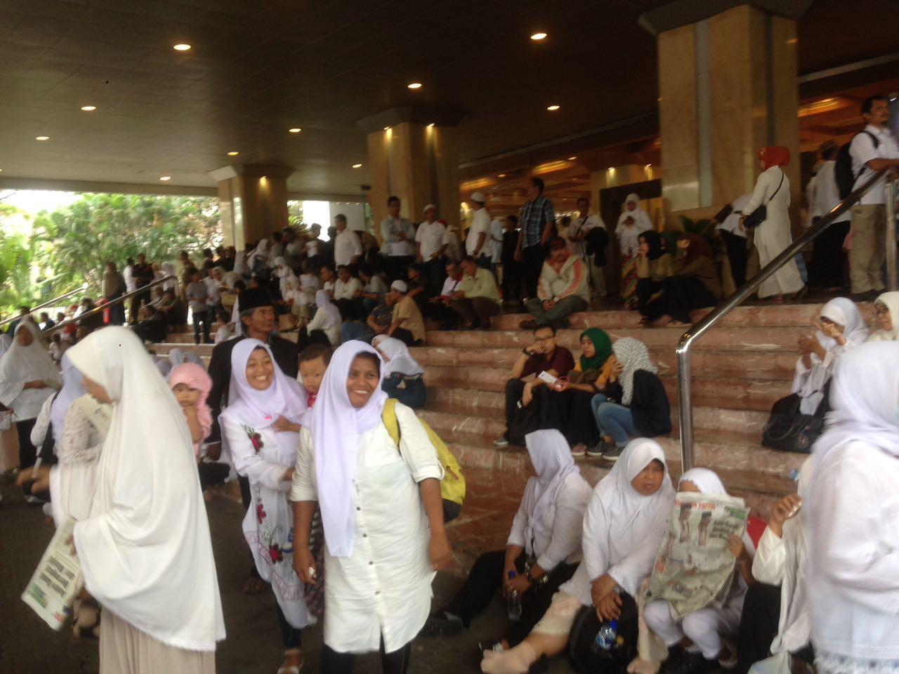 Suasana di Balai Kota Sore Ini: Kok Banyak yang nggak ngerokok ya?