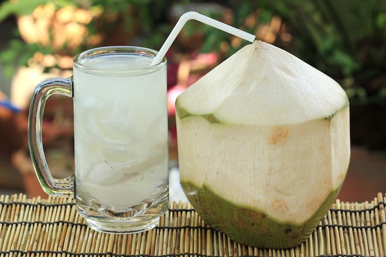 Manfaat Air Kelapa Hijau (Bagian 1) – Mengandung Isotonik Untuk Rehidrasi