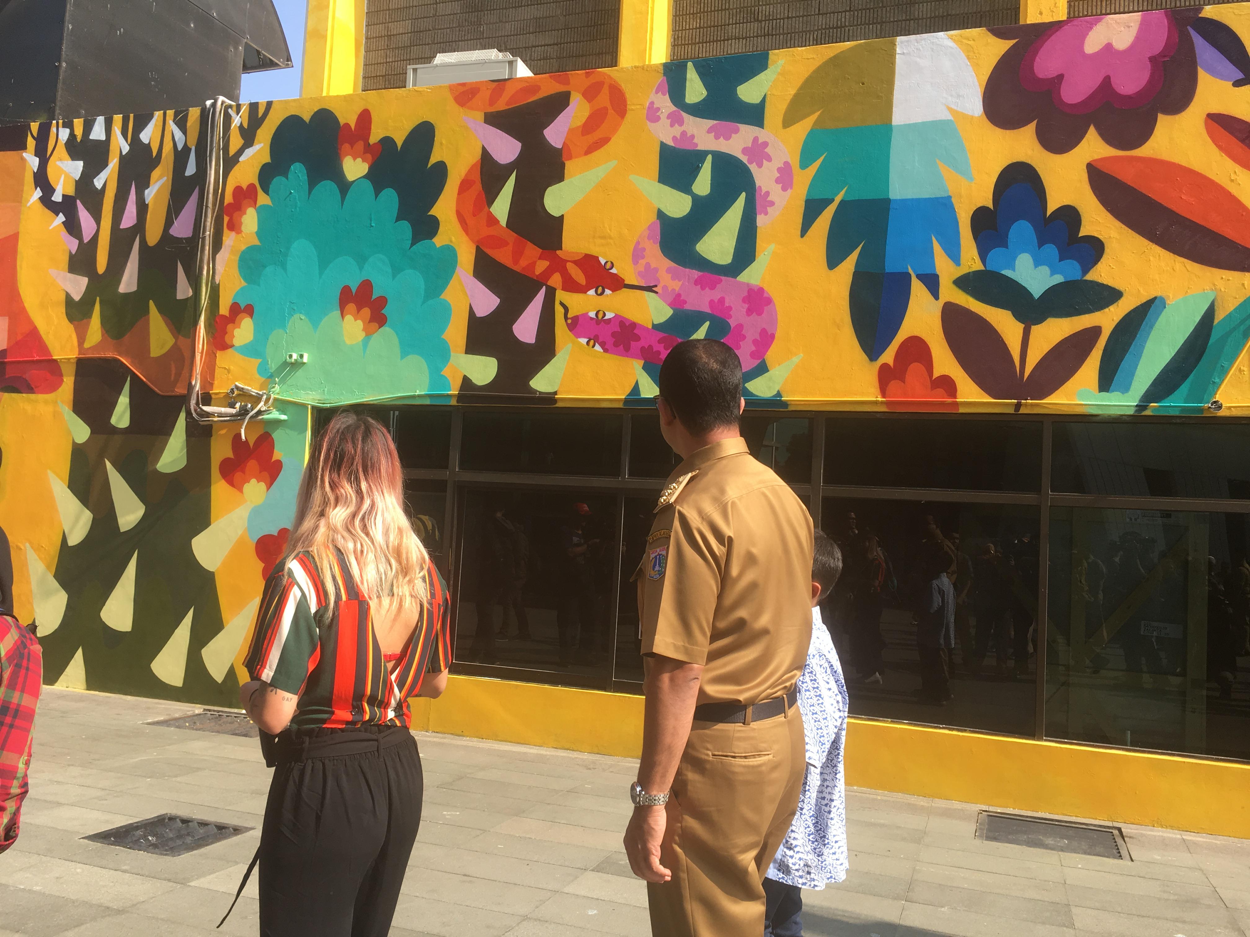Keren! Taman Ismail Marzuki Kini Ramai dengan Lukisan Warna-Warni Mural