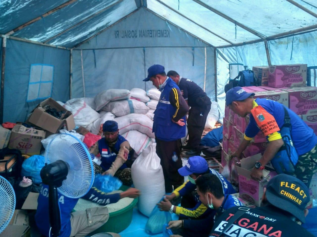 Tagana Pemprov DKI Distribusikan 1500 Paket Sembako Kemensos untuk Palu
