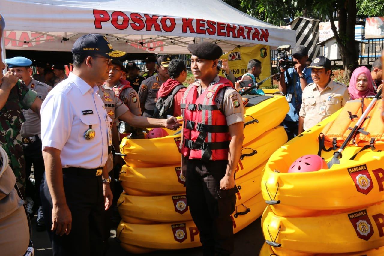 Gubernur Anies Minta Aparat DKI Tunjukkan Kesiapan Hadapi Musim Hujan