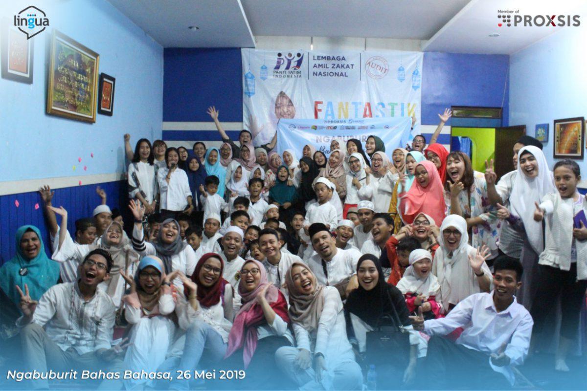 Buka Bersama Anak Yatim, Proxsis Berbagi Soal Bahasa