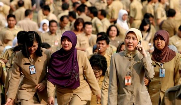 pns-jilbab-baru-lg-one-suara jakarta