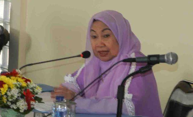 Ketua Badan Kontak Majelis Taklim (BKMT), Tuty Alawiyah