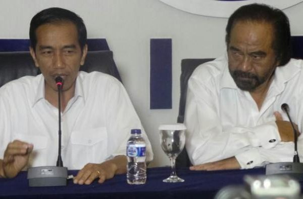 Puja-Puji Jokowi untuk Surya Paloh