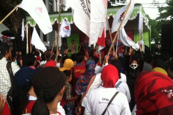 MayDay, Rekan Indonesia Desak Jokowi Hentikan Peraturan BPJS yang Menyulitkan Buruh