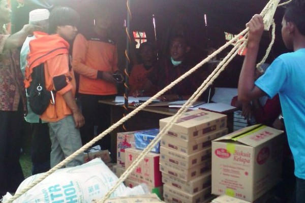 Relawan RZ Medan dan Aceh Berikan Bantuan untuk Pengungsi Rohingya