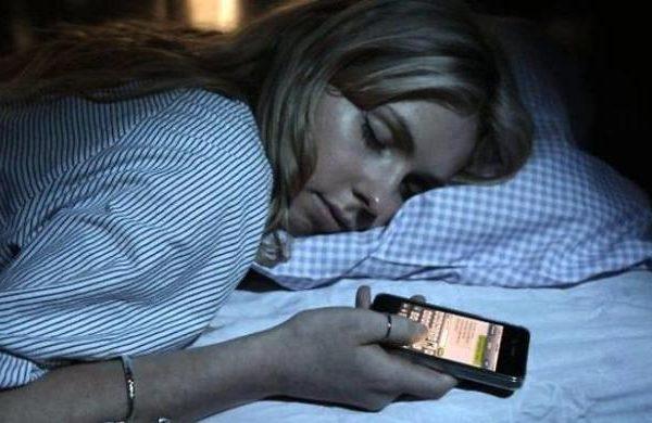 Tidak Perlu Mematikan HP Saat Tidur