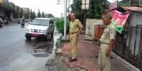Wakil Camat Johar Baru Blusukan Pantau Titik Genangan Banjir