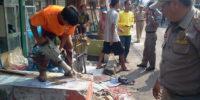 Aparat Gabungan Bongkar Puluhan Bangunan Liar di Kemayoran Jakarta Pusat