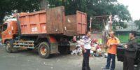 25 Rit Sampah Pasca Lebaran di Kemayoran