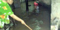 Diguyur Hujan Seharian, Jakarta Masih Banjir
