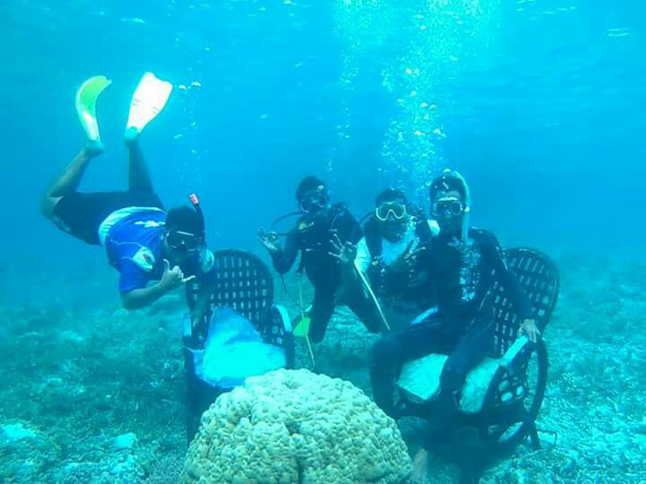 Kursi Bekas Yang Teronggok di Tempat Sampah Bisa Jadi Spot Wisata Baru di Pulau Pramuka, Keceeee Banget Hasilnya