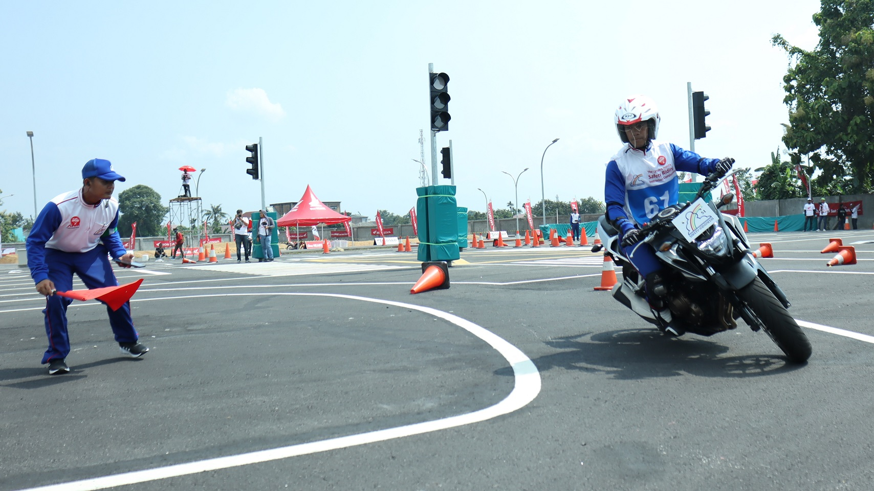 AHM Kuatkan Skill Instruktur Safety Riding Honda Untuk Masyarakat